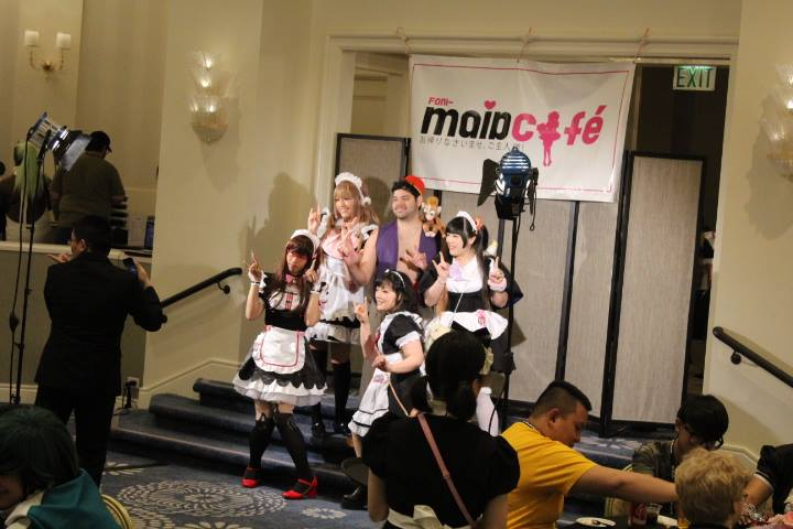Maid Cafe FanimeCon 2017 8Bit/Digi